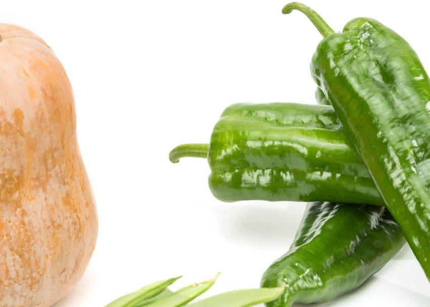 Pimientos verdes, calabaza y judias