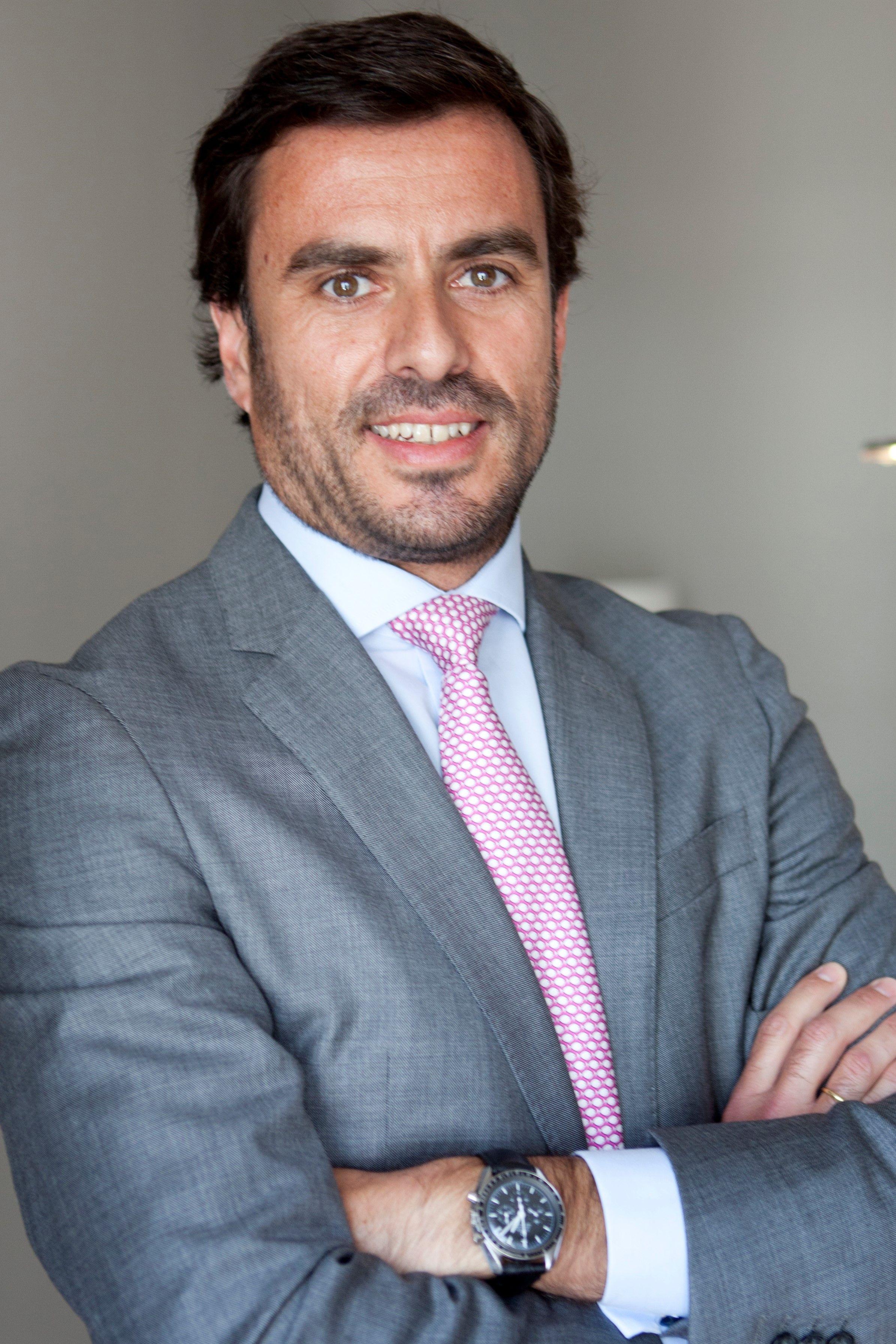 Javier Uruburu - Socio Director