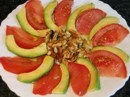 aguacate-con-tomate