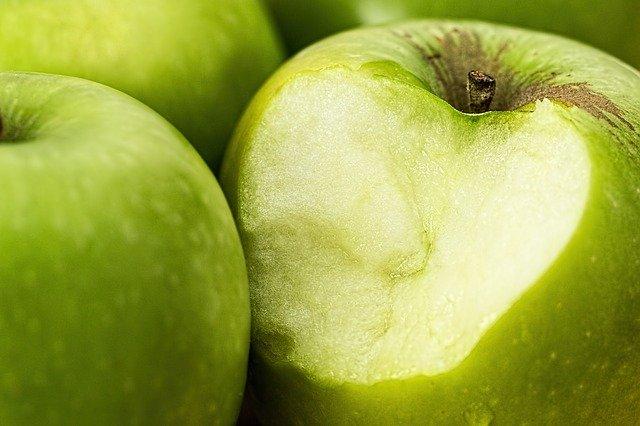 variedad de manzanas verdes