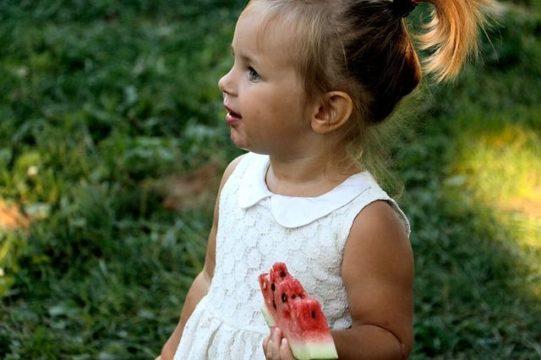 comefruta. divertirse comiendo fruta