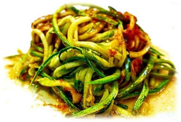 receta saludable espaguetis de calabacín con champiñones
