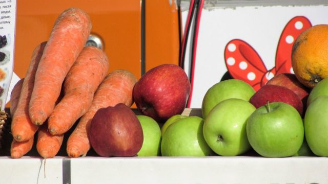 Zumo de manzana y zanahoria