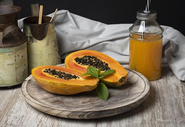Entre las propiedades de la papaya, sus beneficios para la piel